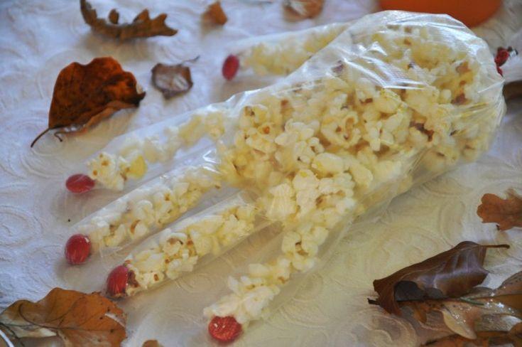 Popkorn hånd med røde negle, Andet,Halloween, Lækkeri, Børn, opskrift