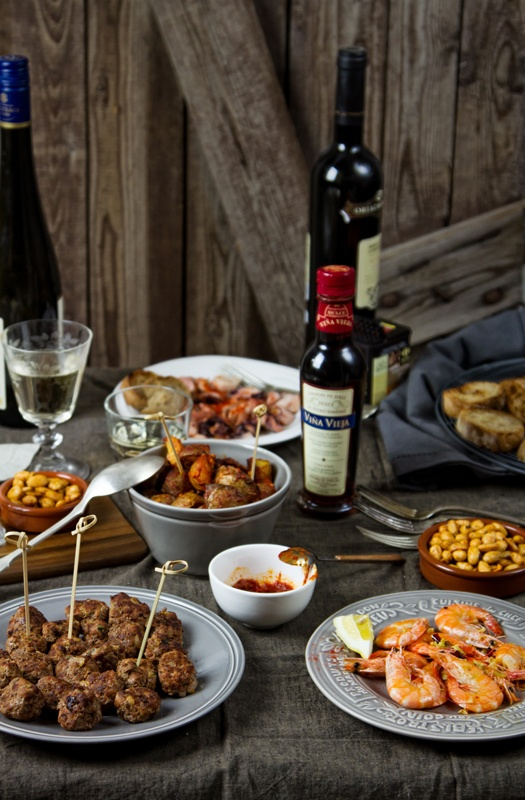 tapas: Barcelona Airports, Tapas Tables Spain, Red Wine, Barcelona Wine, Airports Private, Cooking Vacations Spain, Tapas Tak, Spanish Tapas, Easy Tapas