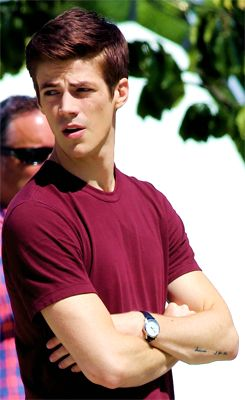 """The Flash"" shoots episode 4 in downtown Vancouver, Canada with an ""Arrow"" crossover where Grant Gustin"