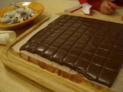 expat chow: gingerbread caramels