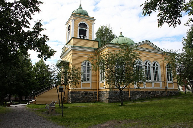 Savonlinna, Finland. small church by viima, via Flickr