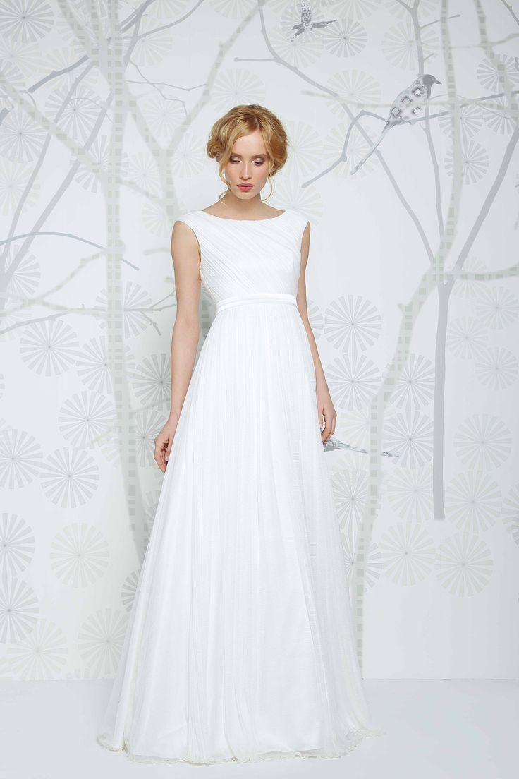 Beautiful Edana Gown by Sadoni. Available at Caroline Clark Bridal Boutique, Droitwich.