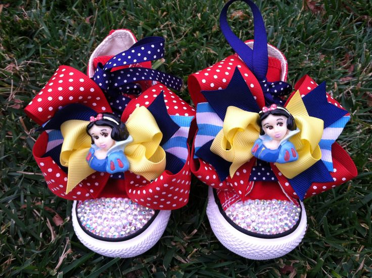 Gunna have to try this. Converse with ribbons & buttons