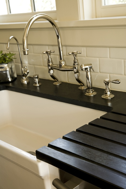 30 Beautiful Farmhouse Sink with Drainboard and Backsplash