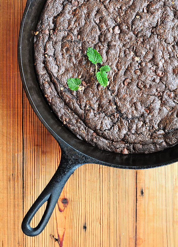Chocolate Mint Skillet Cookie/Brownie
