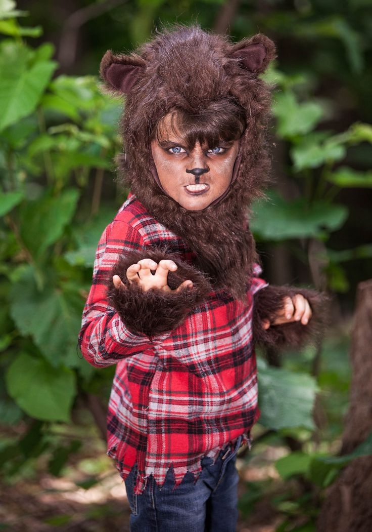 You better beware if it's a full moon outside! This Kids Fierce Werewolf Costume is a great scary classic costume for kids.