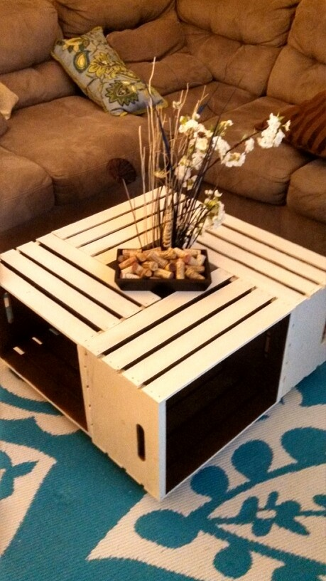 Diy wine crate coffee table sooo cheap and beautiful for Diy wine crates