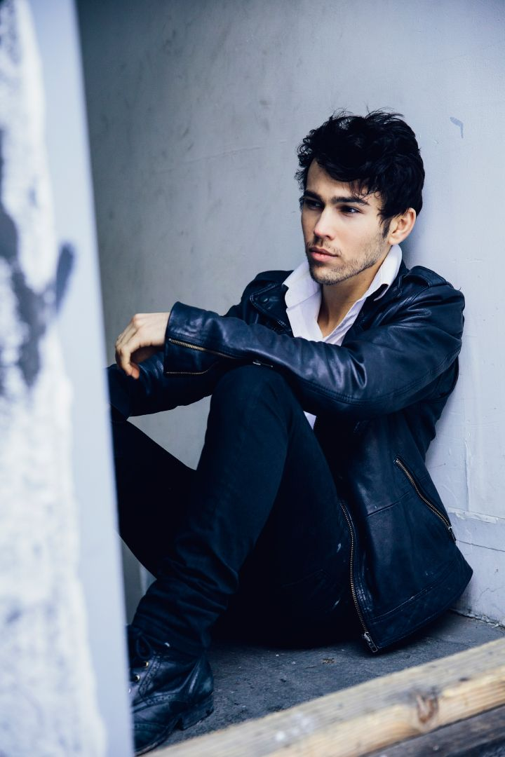 Max Schneider by David Urbanke.