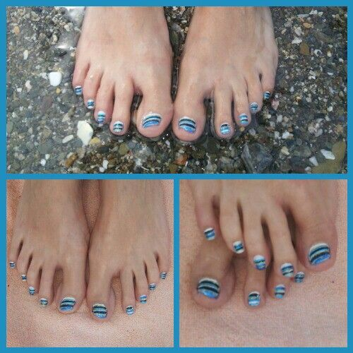 Blue Navy stripes nail art