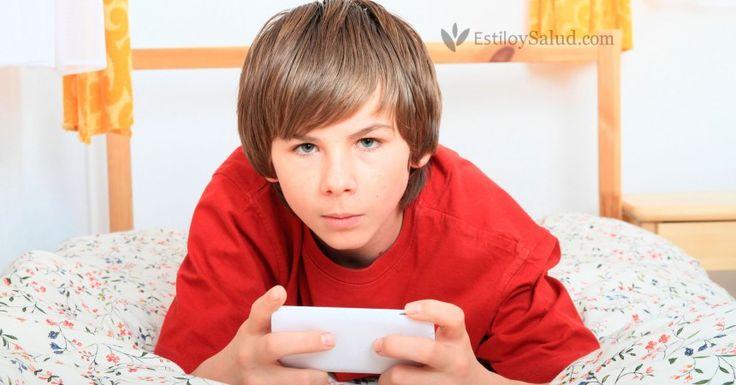 Las 18 reglas que dictó una madre al regalarle un móvil a su hijo de 13 años