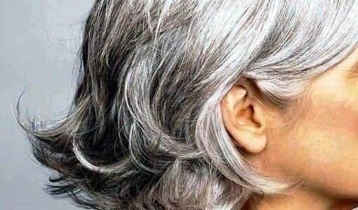 8 tips for choosing the best shampoos and conditioners for silver, white, or grey hair