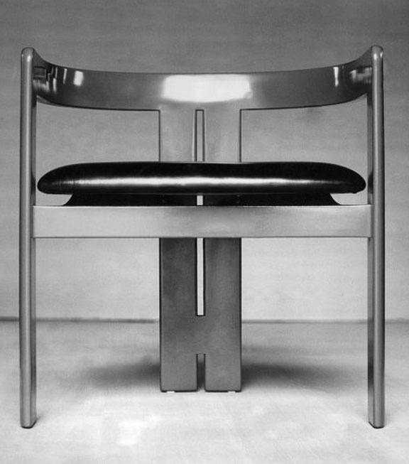 Tobia Scarpa and Emilio Mantese - Pigreco armchair, 1960.  In 1960 Gavina and his production site moved from Bologna to Foligno in Umbria. Pier Giacomo Castiglioni designed the factory and management offices, the elegance of which, even today, seems totally out of place surrounded by anonymous industrial buildings.The Company President of Gavina Spa was Carlo Scarpa. Artists like Lucio Fontana and Gino Marotta worked out of the factory