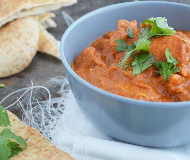 Butter Chicken is een recept uit de Indiaanse keuken en zó ontzettend lekker. Dit gerecht zet je binnen 30-minuten op tafel, een echte aanrader!