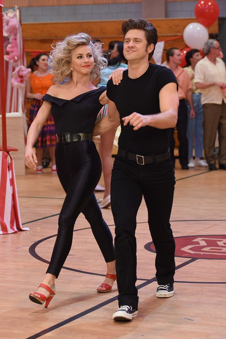julianne hough vanessa hudgens and keke palmer among others made their official grease - Greece Halloween Costumes