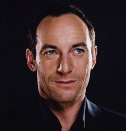 jason isaacs  fantastic actor, great accent, sexy eyes, and he's a Jew. What dreams are made of...