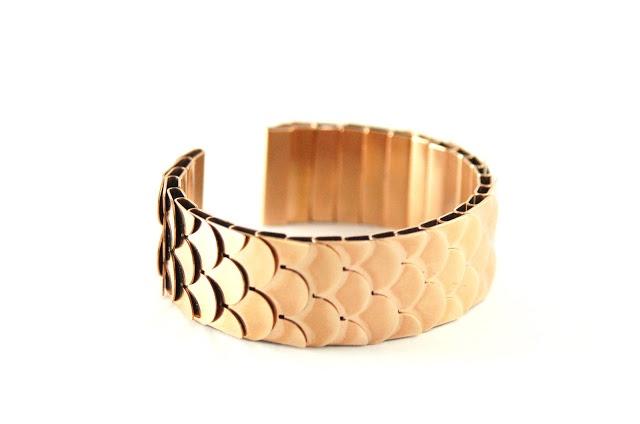 Bracelet 'Neptun' byAnna von Bergmann.  http://t-h-i-n-g-s.blogspot.com