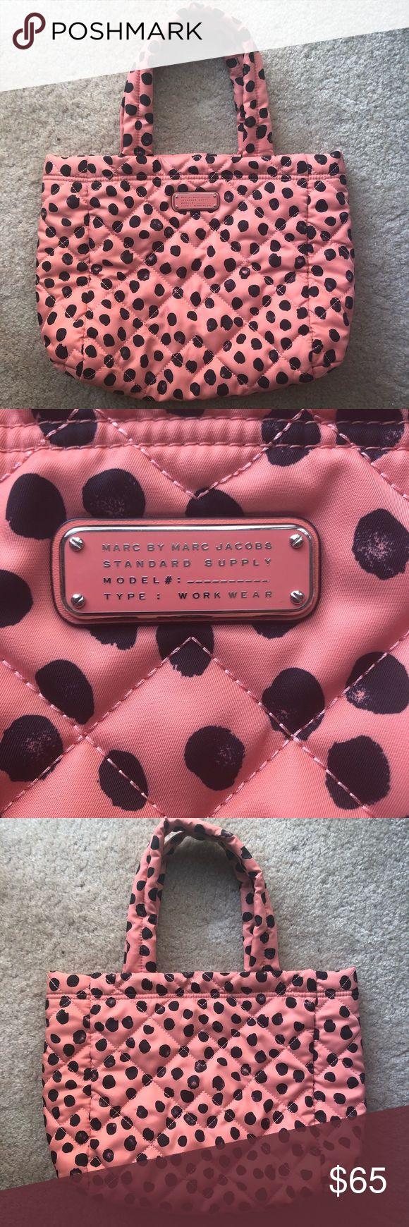Neue Marc Jacobs Schultertasche Brandneues Pink mit schwarzem Tupfen Marc Jacobs …