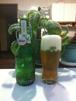 Cerveza Grolsch Premium Lager  Pais: Holanda  Tipo: Lager  Porcentaje de Alcohol: 5.0%  Ver reesña: http://cepasdestiladosfermentados.tumblr.com/post/24068132289/grolsch-lager