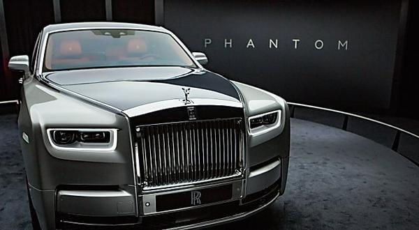 Conheça o Rolls-Royce Phantom VIII, o luxo em forma de carro