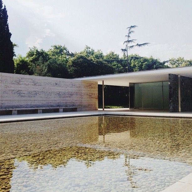 pavell mies van der rohe barcelona pavilion in barcelona designed by mies van