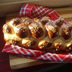 Shabbat Challah Allrecipes.com Wonderful recipe! I did t for 20 people, and just did 2 eggs, instead of 1 1/4.