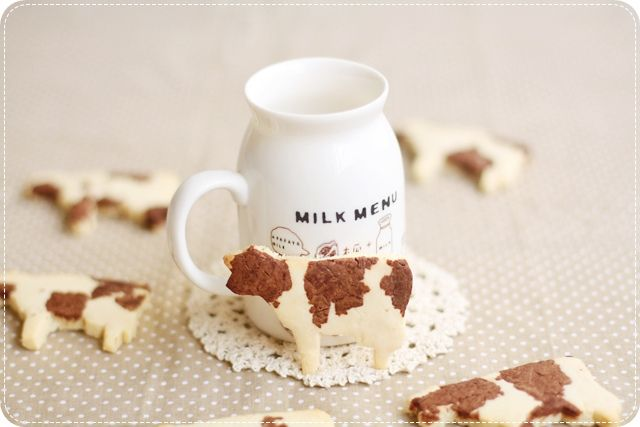 "swept-in-a-dream: ""Cow-Patterned Cookies by *bossacafez """
