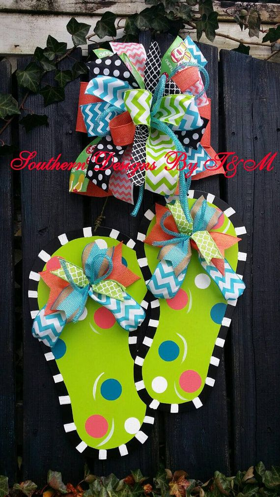 Check out this item in my Etsy shop https://www.etsy.com/listing/186375097/flip-flop-door-hanger-and-matching
