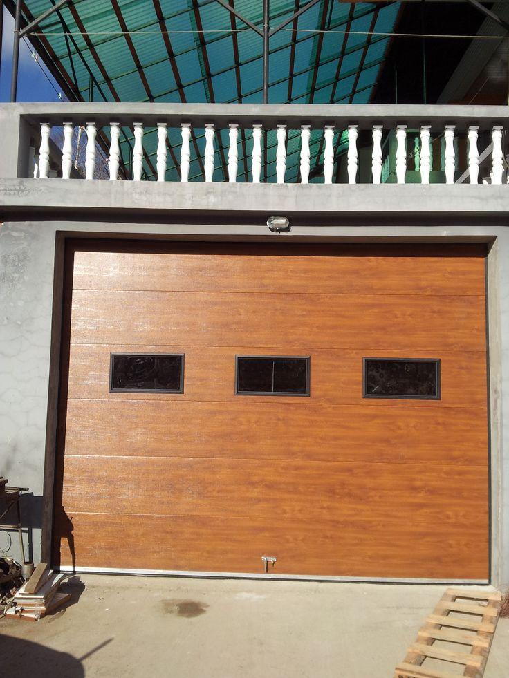 Usa de garaj sectionala Culoare:stejar auriu http://www.usidegarajcluj.info