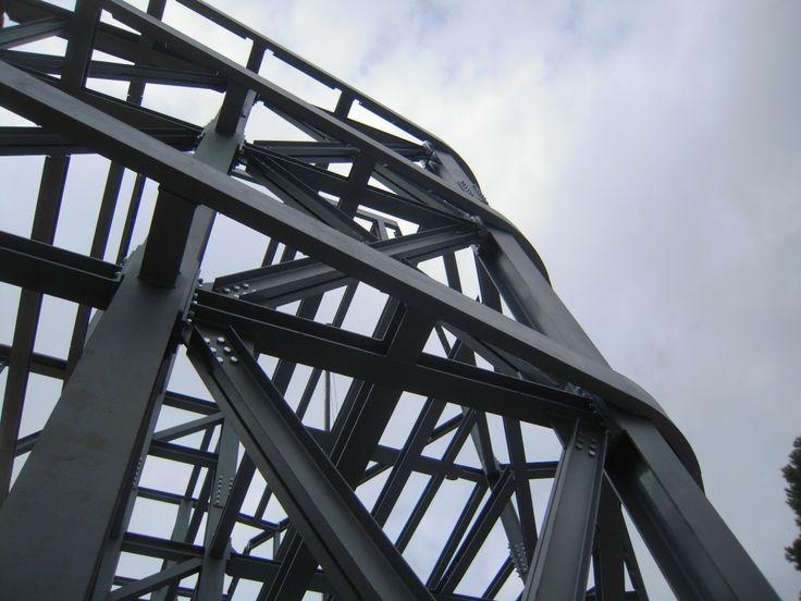 Ecco come vengono progettate le strutture in acciaio: http://blog.csa-srl.it/costruzioni-strutturali-acciaio/ #CSAsrl #DemolizioniIndustriali #BonificheAmbientali