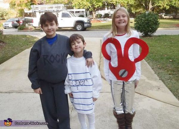 Now this game of Rock, Paper Scissors would be fun to watch! {Family Halloween costume featured on OneCreativeMommy.com}