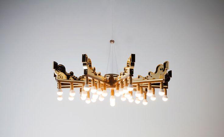 Las reinterpretaciones en el mundo del diseño se dan día a día. Es muy común encontrar reinterpretaciones de sillas o productos clásicos. En este caso, la marca italiana Kartell, le pidió a 14 diseñadores que reinterpretaran su lámpara Bourgie en conmemoración del 10mo aniversario de la marca.