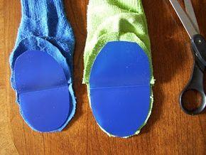 Como hacer títeres con medias 3