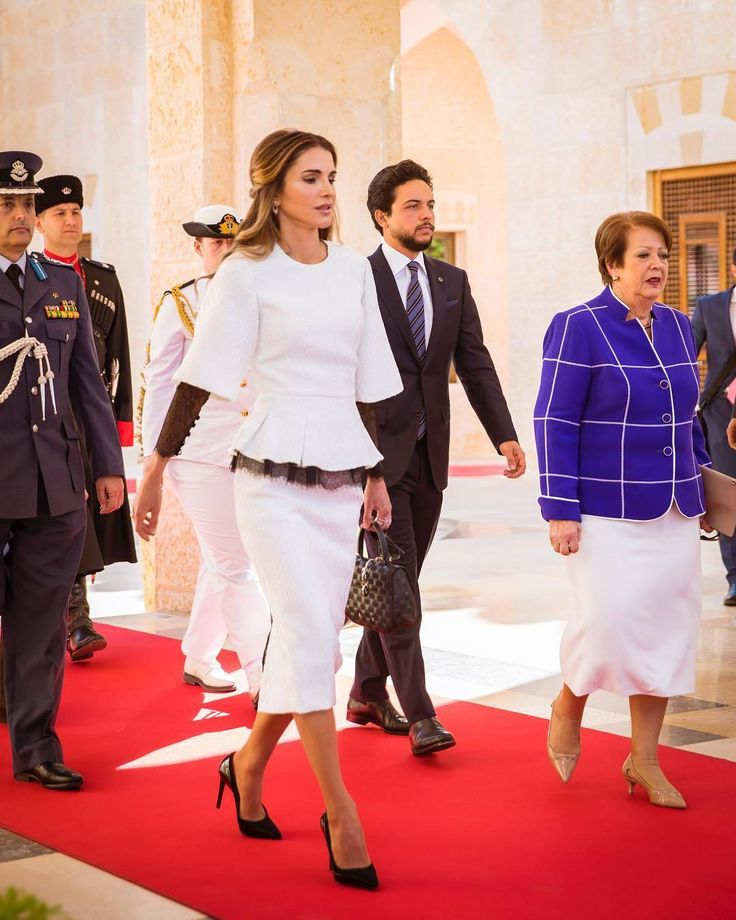 20 October 2017 - King Abdullah, Queen Rania and Crown Prince Hussein meet with the Australia Governor Peter Cosgrove - blouse and skirt by Georges Chakra, shoes by Salvatore Ferragamo, bag by Louis Vuitton