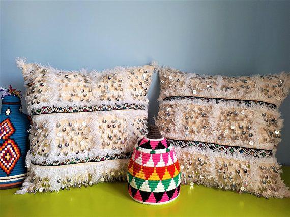 81 best coussins berb res images on pinterest monochrome. Black Bedroom Furniture Sets. Home Design Ideas