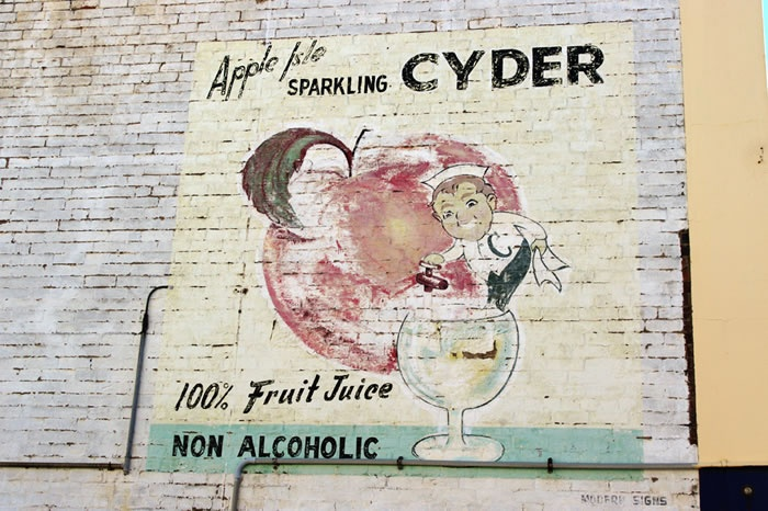Apple Isle Sparkling Cyder building ad...<3