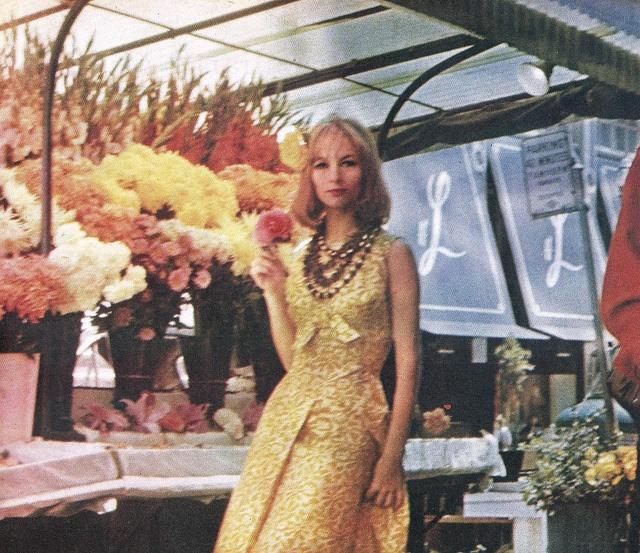 "Model Giedre wears a creation of Brazilian fashion designer Dener Pamplona de Abreu.  Fashion editorial photographed in New York for the Brazilian magazine:""O Cruzeiro"".November 1962."