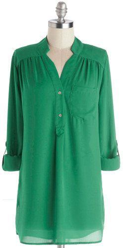 Fun 2 Fun/JNP Fashion Inc. Pam Breeze-ly Tunic in Green