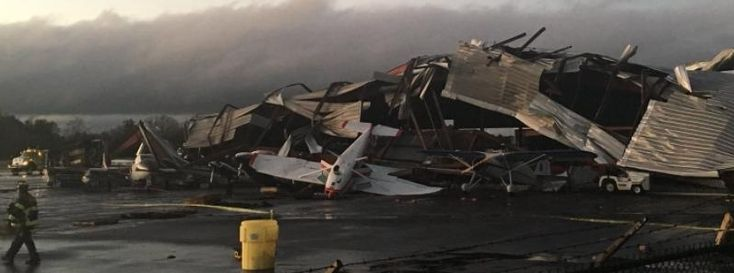 Severe storm, destructive tornadoes roll through Carolinas, 98 000 without power