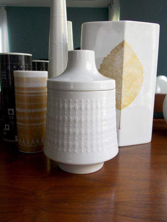 Modernist Hutschenreuther lidded jar designed by Hans Achtziger (1918 – 2003)