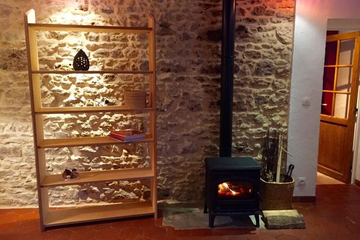Cette bibliothèque en multi-plis de bouleau a deux atouts : son design fin et son adaptabilité ! #bibliothèque #bookshelves #meuble #mobilier #furniture #interior #intérieur #design #bois #wood #handmade #artisanat #français #adaptable #finesse #livres #book #minimalisme #minimalism