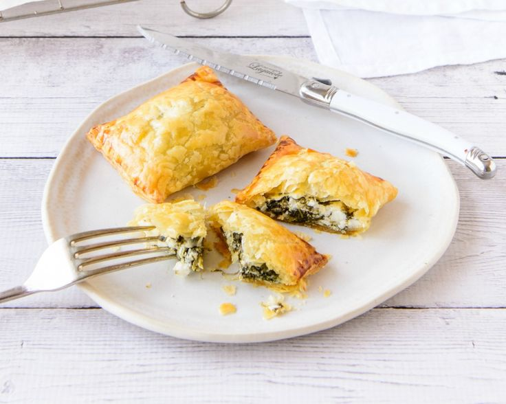 These crispy, healthy Spinach And Feta Puffs make a delicious breakfast or light lunch. Keep leftovers in the freezer to grab for a healthy snack