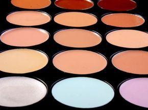 Te enseñamos a neutralizar cada tipo de imperfección con cada color de corrector de maquillaje. Hay uno para cada función, descúbrelo
