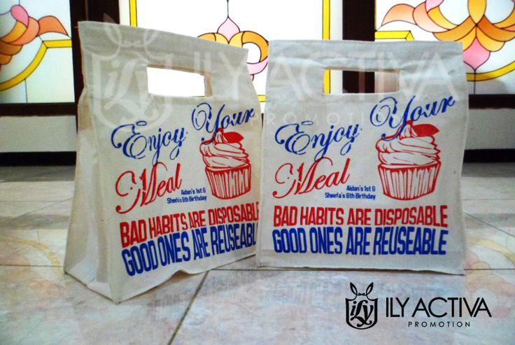 Lunchbag Blacu -- Pesanan Bu Retno, Jakarta