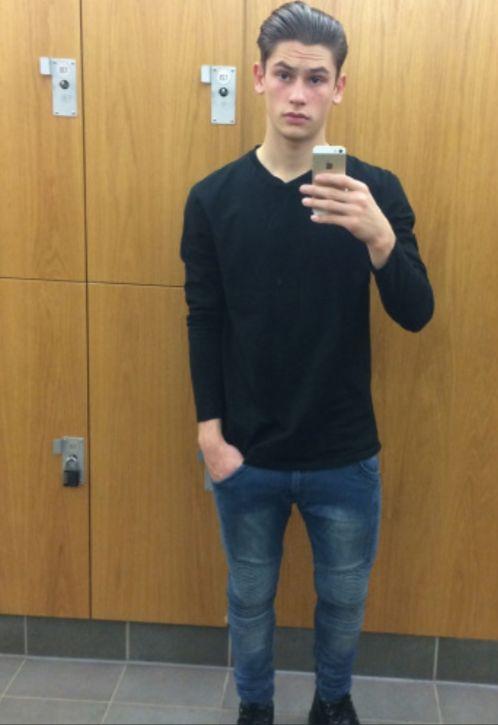 UK footballer Aaron Moody. He's one hung boy! Damn!