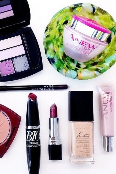 Anew Vitale and True Color plum eyeshadow give me bright eyes and a #nofilter-needed Autumn glow in five minutes!  #ANEWYou  #AvonRep