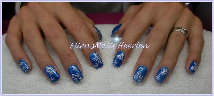 Mooi diepblauwe full color met bloempjes wit/zilver