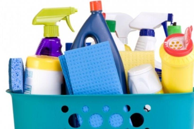 Διαβάστε τις 12 συμβουλές καθαριότητας! 1.Για να καθαρίσετε τη λεκάνη της τουαλέτας σας, ρίξτε στη λεκάνη τοβράδυ αρκετή ποσότητα λευκό ξύδι.Το πρωί βρά