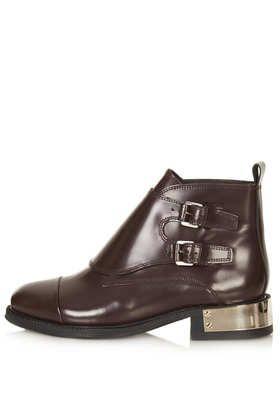 PERTORA Monk Boots