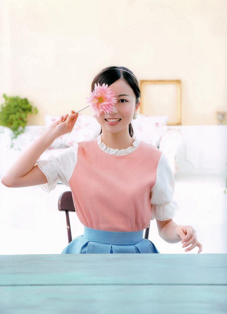佐々木琴子さんの肩