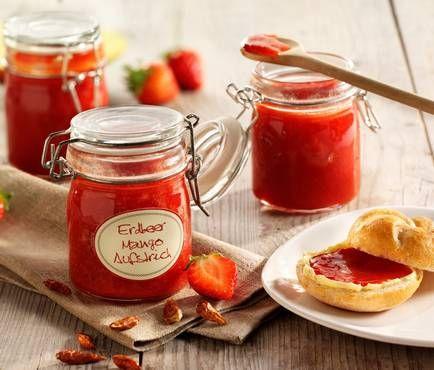 Erdbeer-Mango-Aufstrich mit Vanille und Chili